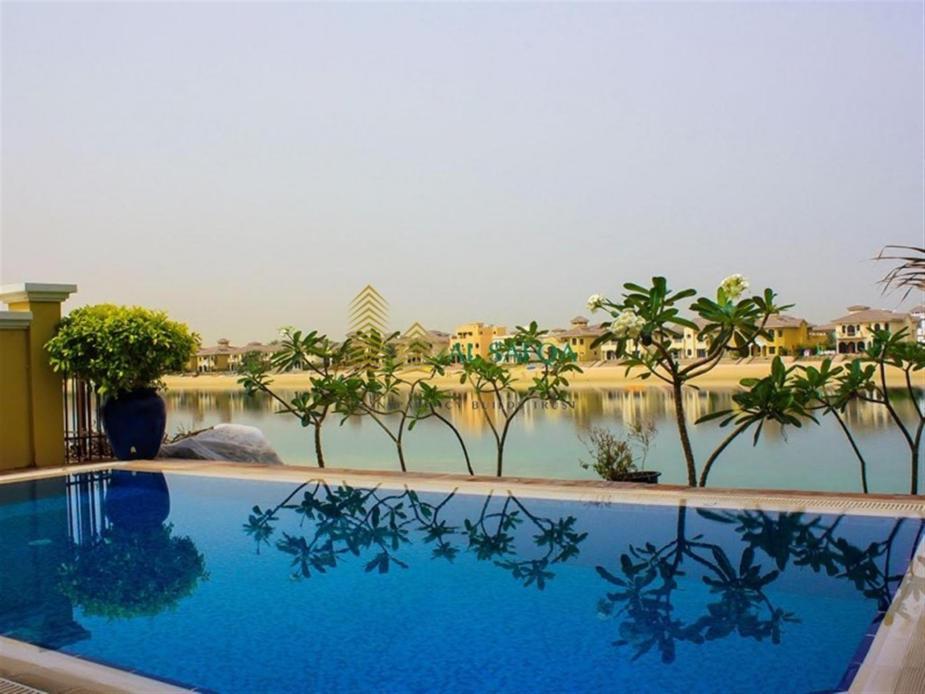 5 Bedroom Villa in palm Jumeirah, Al Safqa 2.4