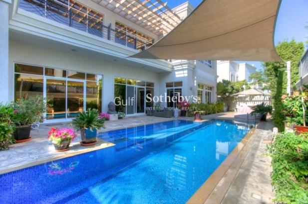 6 Bedroom Villa for Sale in Emirates Hills, ERE, 1.1