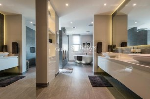 6 Bedroom Villa in Victory Heights, ERE, 1.6