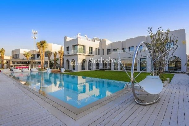 7 bedroom villa in Emirates Hills, Dubai