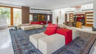 9 bedroom villa in Emirates Hills, Dubai