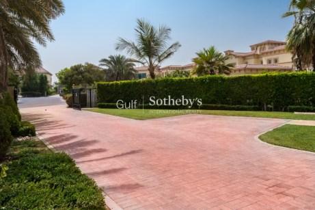 5 bedroom villa for sale in Jumeirah Islands, Dubai