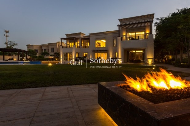 5 bedroom mansion for sale in Emirates Hills, Dubai