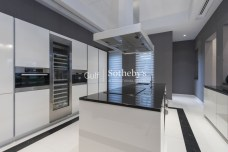 5 bedroom villa in Emirates Hills, 1.6