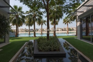 6 bedroom villa in Palm Jumeirah, 1.6
