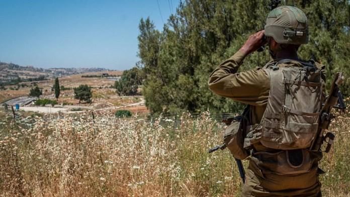 IDF Soldier with binoculars