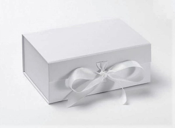 Personalised Gift Box White