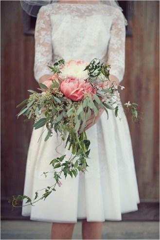 cascading-wedding-bouquet-photos-by-love-life-studios