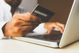 Банк подает в суд за неуплату кредита