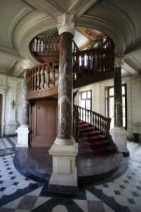 Chateau-de-Tiregand-Escalier