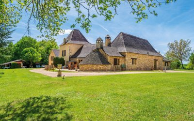 Les Eyzies-de-Tayac-Sireuil : Splendide manoir avec vue imprenable sur la vallée