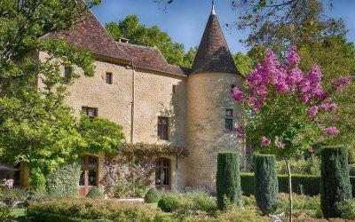 Magnifique château avec maison d'amis, piscine, sur un terrain de 5 hectares