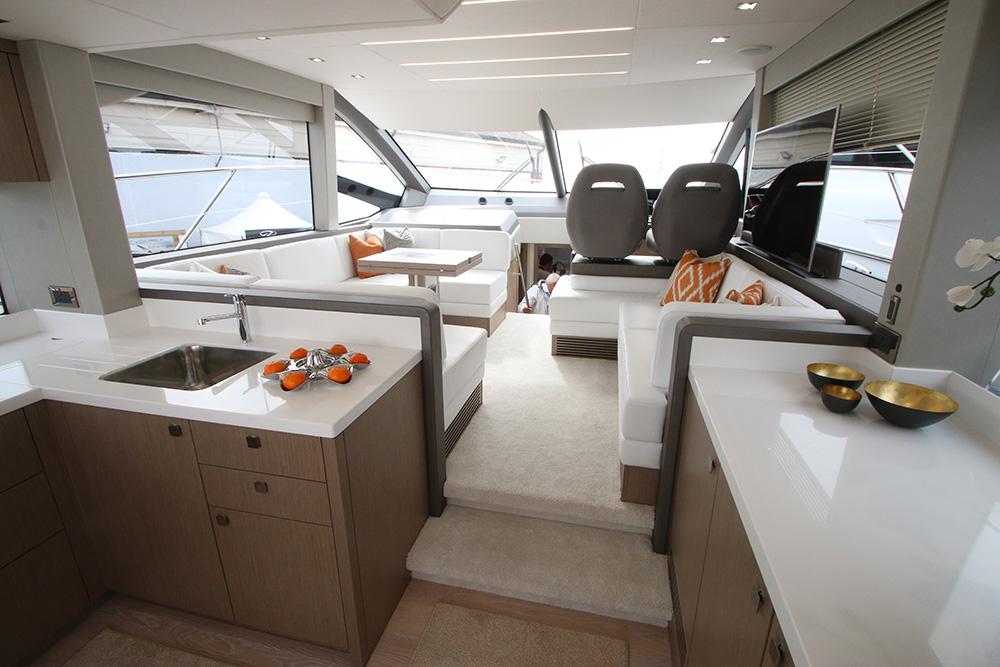 Sunseeker Manhattan 52 2017 Proprio Yacht Canada
