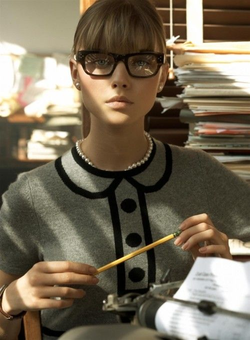 female wearing OLIVER PEOPLES / ARI