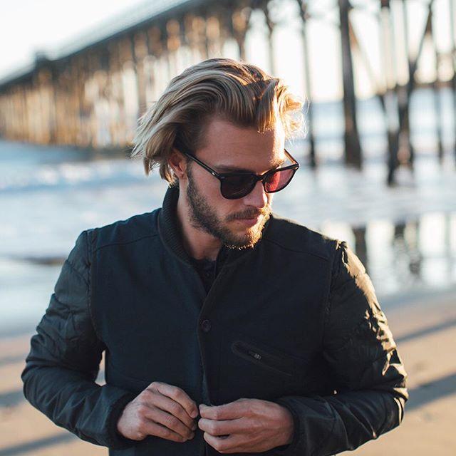 male wearing RAEN / ARLO / BLACK