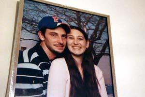 Jay Guilford dejó una novia, Bridget Pierce, y dos niños pequeños.