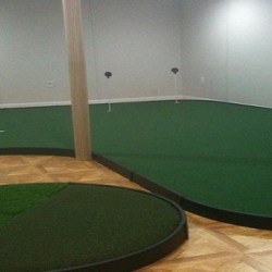 Sim-Custom-Putting-Green-resized-image-560x350