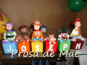 Festa Toy story, 3 anos, cubos em biscuit