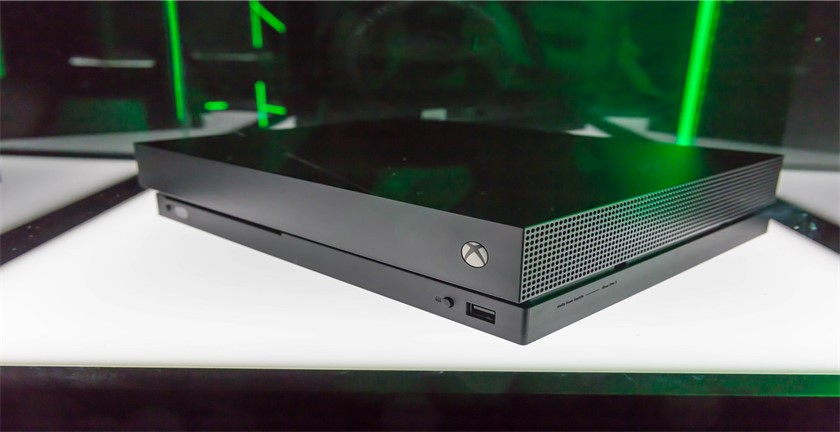Pros and Cons of Xbox One X