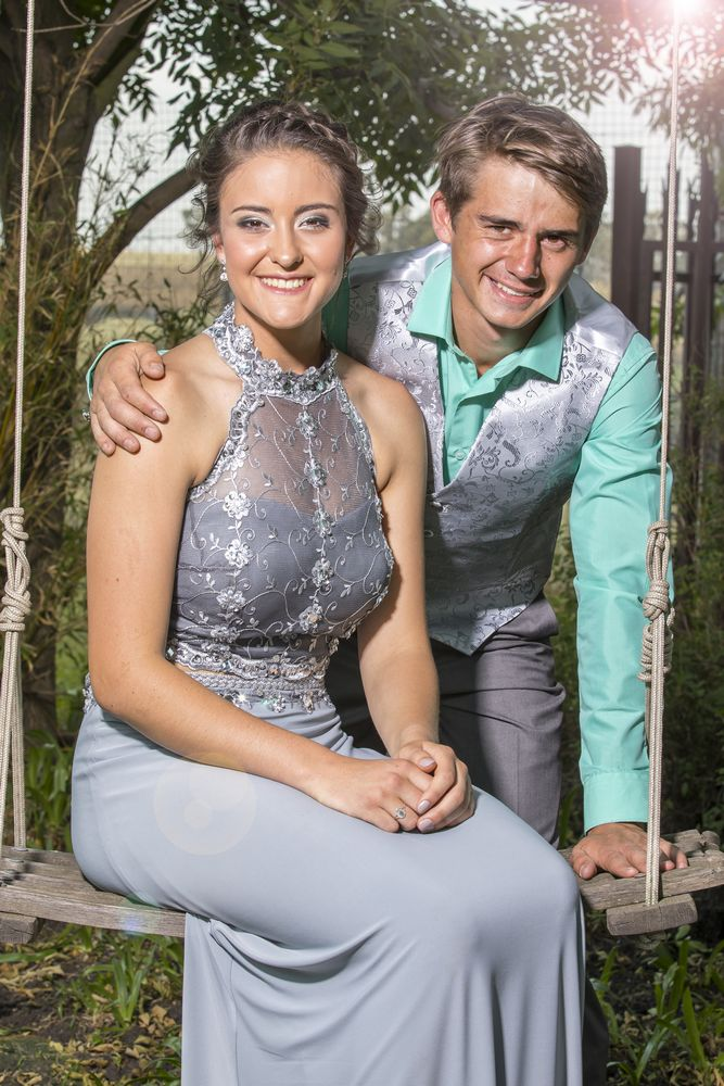 Matric farewell couple in garden_lifestyle photography