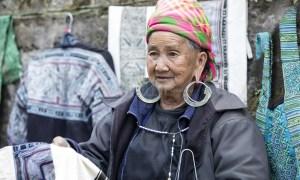 Hmong vendor Sa Pa