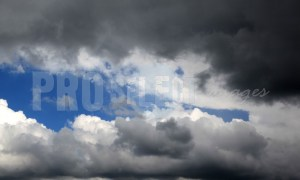 Dark cumulus clouds | ProSelect-images