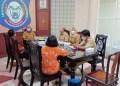 Sekretaris Daerah Provinsi Gorontalo Darda Daraba (tengah) saat menerima kunjungan Kepala Balai Pelestarian Cagar Budaya Gorontalo Mohammad Natsir, di ruang transit kantor gubernur Gorontalo, Selasa (2/3/2021). (Foto: Taufik – Protokol)