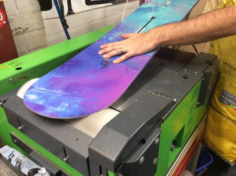 Ski and Snowboard tuning waxing and mounting