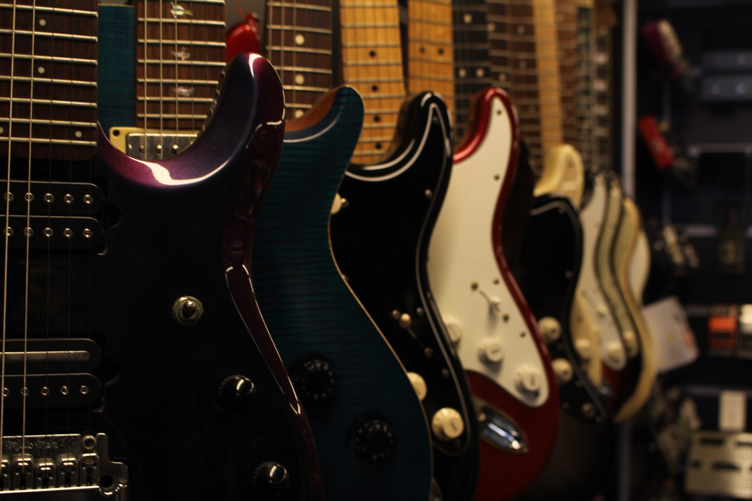 Heavy Vs Light Guitars Which Are Better