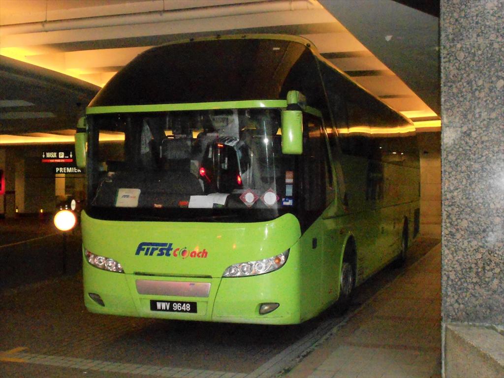 シンガポールからのバス