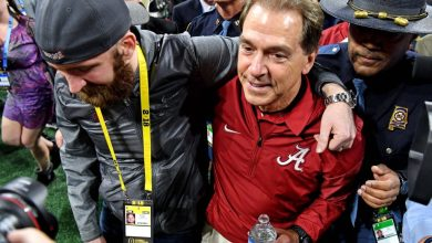 Photo of Teacher Outduels Pupil: Alabama Wins 5th Title In 9 Years