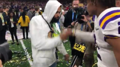 Photo of Odell Beckham Jr. Was Seen Giving LSU Players 'Fake Cash' After National Title Win (Video)
