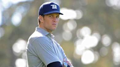 Photo of Tom Brady is Just Like You and Me…On the Golf Course at Least