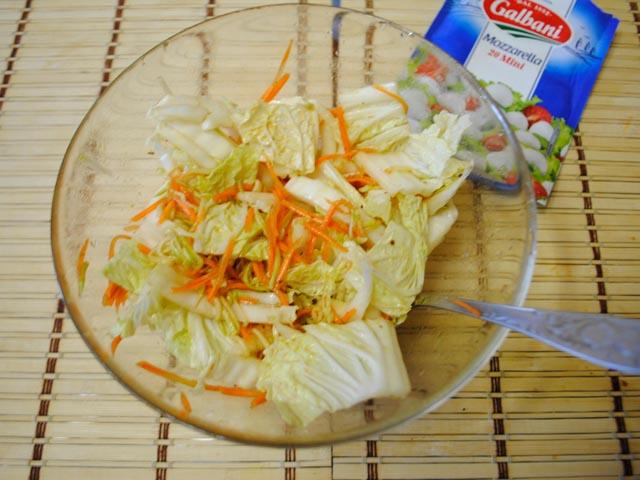 Салати з пекінської капусти - 10 простих і смачних рецептів