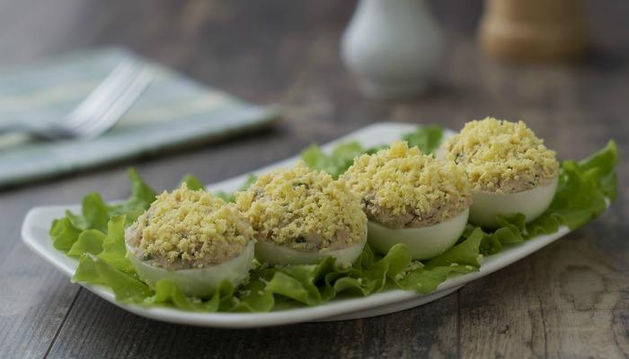 3 варіанти начинок для фаршированих яєць: готуємо швидко і смачно