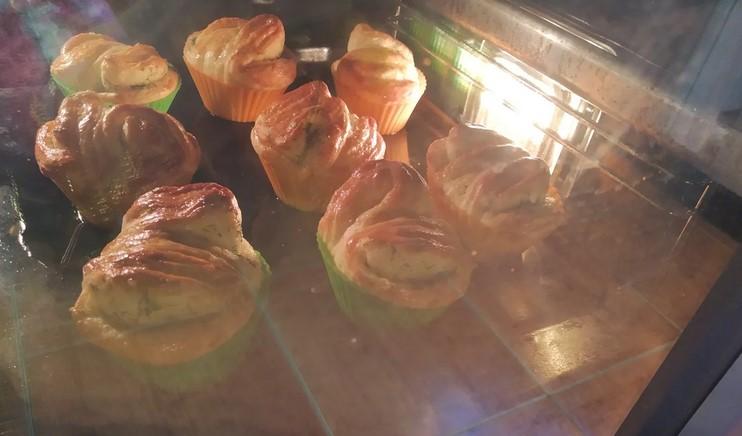 Як вдома приготувати часникові булочки