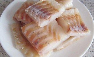 Риба в картоплі з сиром