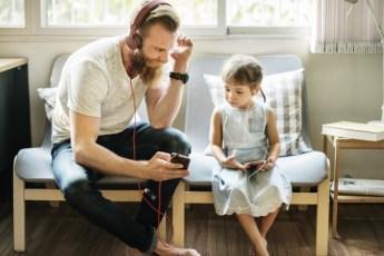 Эти папы знают, как научить дочек быть уверенными в себе