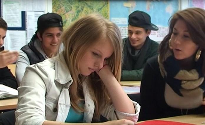 Над учеником глумились так сильно, что учительница наконец решила принять неординарные меры