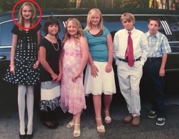 Девочку слева в школе дразнили жирафом. Прошло 8 лет, и теперь все мечтают сделать с ней фото!