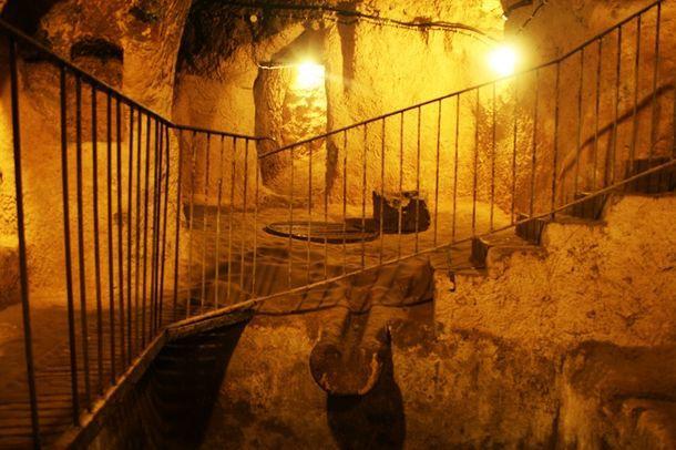 Найдена гигантская сеть подземных туннелей от Шотландии до Турции, которым 12 000 лет! Поистине впечатляющие!