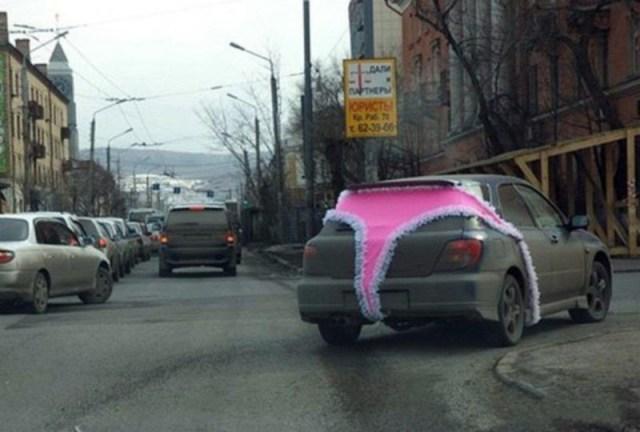 Вот что случается, когда за руль садится истинная автоледи