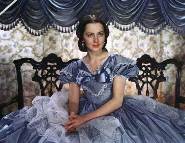 Актрисе из «Унесенных ветром» 101 год, но она все еще прекрасна в своем возрасте!