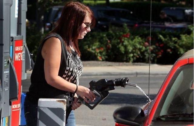 Приключения женщин за рулем