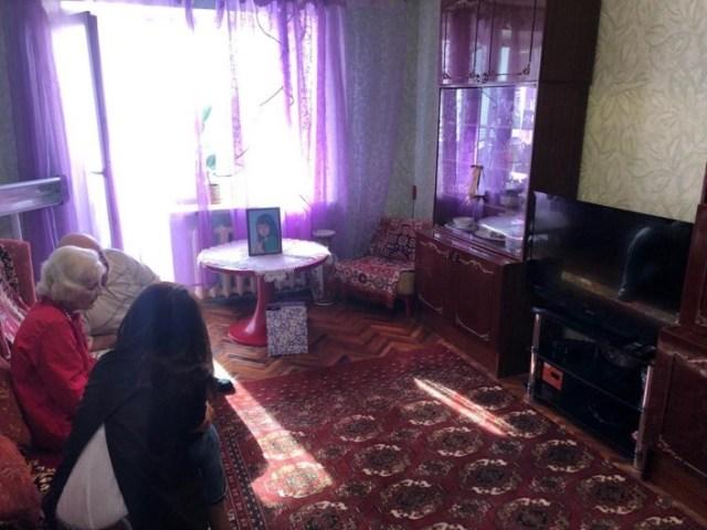 Родители президента Зеленского показали свою квартиру