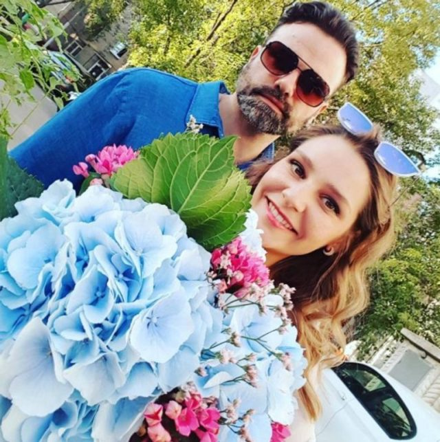 Глафира Тарханова поделилась снимком с мужем-красавцем