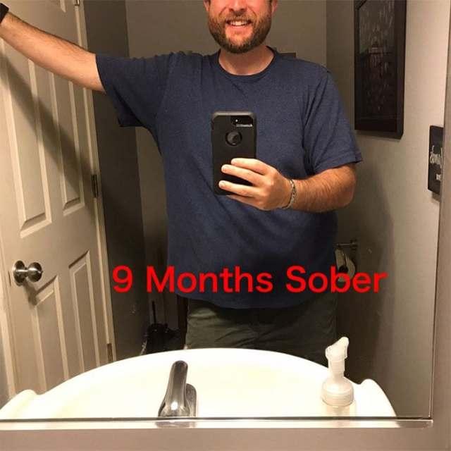 Мужчина бросил пить и показал, как поменялась его внешность за три года