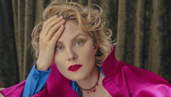 «Какая есть». Рината Литвинова запечатлела себя на честном фото без макияжа