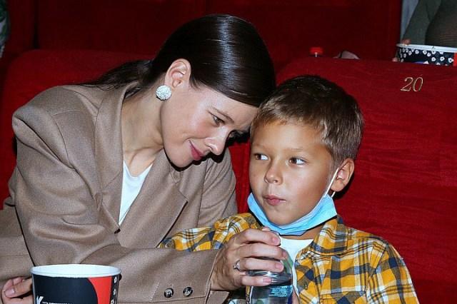 """""""Весь в маму!"""": В сети восхитились повзрослевшим сыном Екатерины Шпицы"""