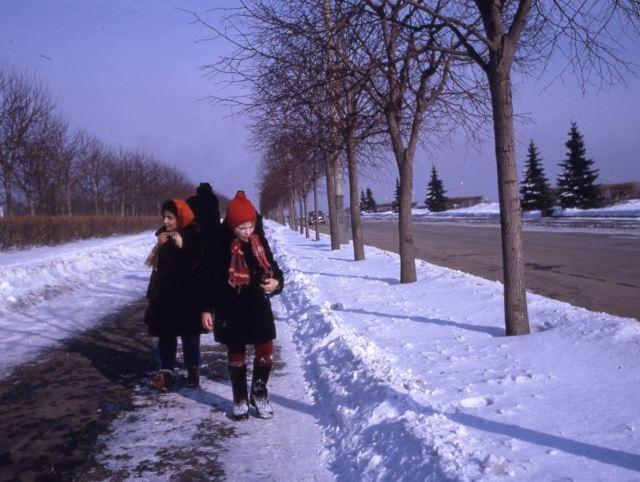 Цветные фото из советского детства, после которых вам захочется вернуться в прошлое